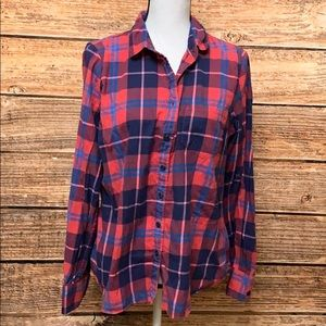 J crew• the Perfect fit button down Plaid